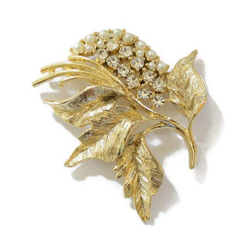 Gerry's Leaf Brooch Pin With Rhinestones And Faux Pearls, Set In Gold Tone