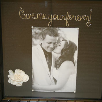 Wedding. wedding gift. wire name. wedding shadow box. bride gift. Personalized. love phrase. handmade. unique