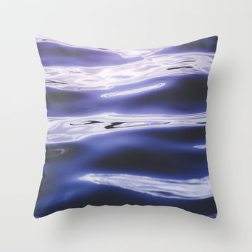 Fluid summer II Throw Pillow by HappyMelvin