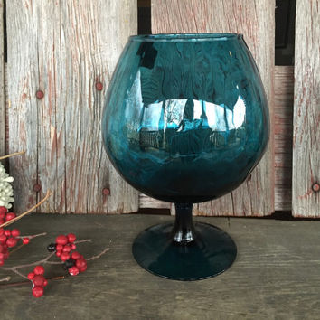 Gorgeous peacock blue Mid Century pedestal bowl, MCM blue glass compote bowl, vintage blue glass serving bowl, MCM glassware, blue wedding