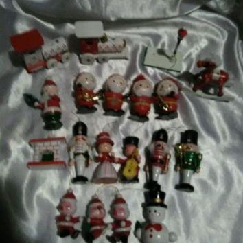 VINTAGE WOODEN CHRISTMAS ORNAMENTS MINIATURES SET OF 19