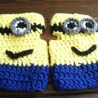Fingerless Minion Like Gloves