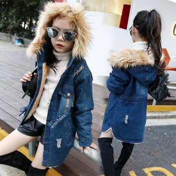 Trendy 2018 children kids girls denim jacket large fur collar cotton denim outerwear Autumn Winter plus thick velvet jacket for girls AT_94_13