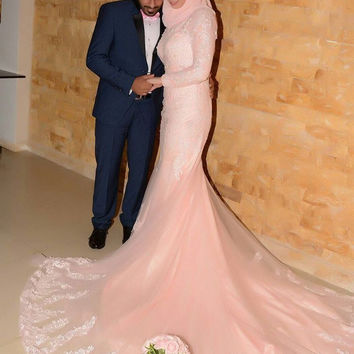 Pink Muslim Mermaid Wedding Gowns With Long Sleeve Long Train   Classic Lace Wedding Dress
