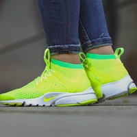 "W Air Presto Flyknit Ultra ""Voltage Green"""