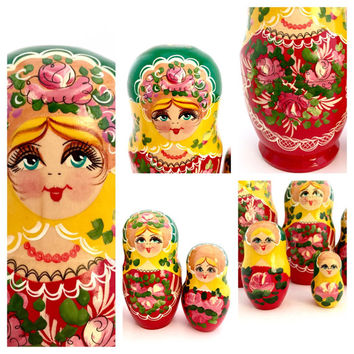 Stunning Vintage Nesting Doll, Matryoshka Doll, Russian Doll, Stacking Doll, Floral Wooden Doll Set.