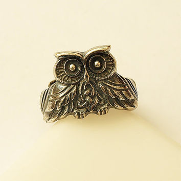 Owl, Owl ring, Owl jewelry, Birds, Bird ring, Bird jewelry, Silver plated ring, Brass ring, Fashion ring, Modern ring, Woman rings