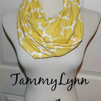 NEW Quatrefoil Light Mustard Infinity Scarf Lightweight Jersey Knit Soft Double Loop Scarf Women's Accessories