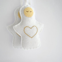 Christmas angel ornament - Felt holiday decor in white with embroidered gold heart - Set of two