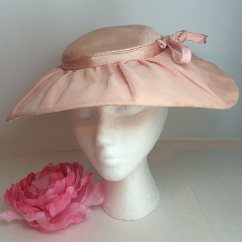 Pink Womens Halo Wide Brim Bow Hat Size Medium Chiffon Paris Chic 1940's 1950's Era Clothing Soaring Hawk Vintage