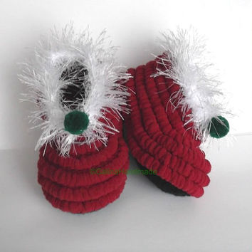 Santa Baby Shoes,Crochet Santa Slippers,Christmas Toddler Shoes,Baby Booties,Toddler Shoes,PomPom,Newborn  Christmas Gift,