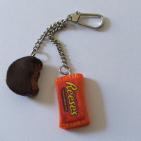Charming............Reese's Peanut Butter Cups Double  Keychain