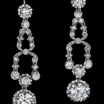 Art Deco Diamond Platinum Dangle Earrings, circa 1920s