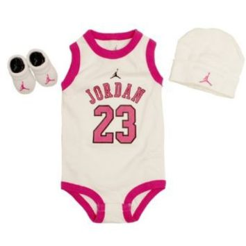 Jordan 3 Piece Infant Set (Pink)