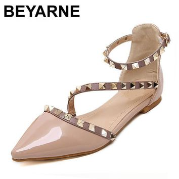 BEYARNE New 2017 Fashion women Patent Leather rivets women flats shoes Sexy Pointed t