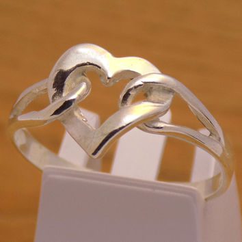 Gently Solid Sterling Silver Lovely Heart Design Ring 925 Hallmark Amazing Stunning Charming Beautiful Handmade Handcrafted Size 9.75 US / T