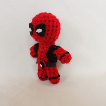 Crochet Deadpool amigurumi