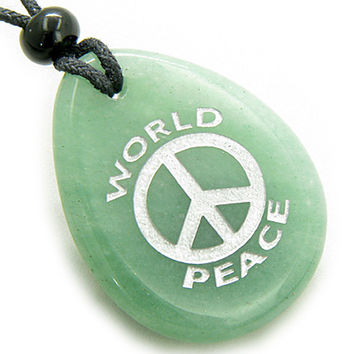 Lucky World Peace Amulet Green Quartz Wish Stone Pendant Necklace
