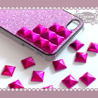 50pcs 12mm Shiny Fuchsia Square Rivet Pyramid Studs Metal Studs for Cell Phone Deco Leather Craft Jean Button HS2022