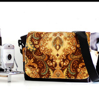 Fashion DSLR Camera Bag With Zipper Enclosure and by sizzlestrapz