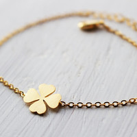 Four leaf clover bracelet in gold, Lucky charm, Everyday jewelry, Bridesmaid jewelry, Wedding bracelet