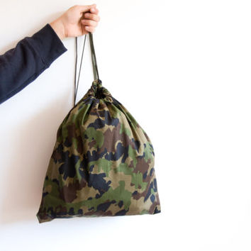 Camouflage Military Drawstring Backpack, Gym Bag, Beige Brown Olive Green, ohtteam back to school avocado Gymsack navy, US Army