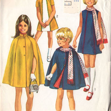 Vintage 1970s Girls Dress Cape and Scarf Simplicity Sewing Pattern 9247 Size 14 Bust 32 Hip 34