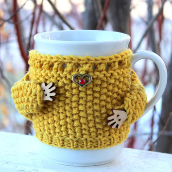 Mug sweater. Knitted mug cozy Cup cozy Mustard merino wool. Heart charm. Red rhinestone. Mother's day gift Bridal shower. Office coffee cozy