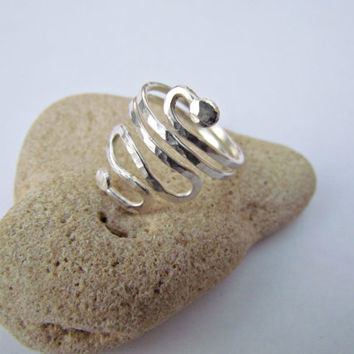 Egyptian Style Ring. Fine Silver Ring. Hammered Ball Coil Ring.Elegant Minimal Ring.Pure Silver Bold Ring.Coil snake Ring. Israel Jewelry