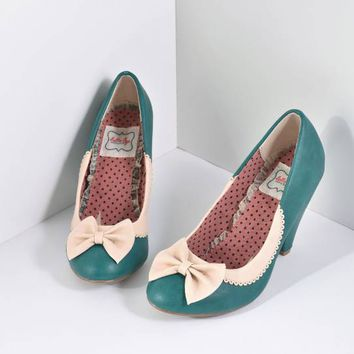Bettie Page Green & Ivory Leatherette Bailey Bow Pumps