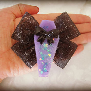 Cutsie Glittery Coffin with Bow Haunted Hair Candy Clip