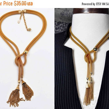 ON SALE Vintage Gold Lariat Tassel Necklace, Gold Mesh Chain, 20 Inches, Tassels, Statement Necklace, Adjustable, Drop Dead Gorgeous! #b834