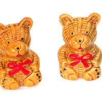 Kitchen Vintage Gold Bear Salt and Pepper Shakers Condiment servers salt and pepper treasuresRtimeless shakers vintage