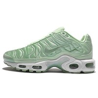 Nike Air Max Plus SE Women's Sneaker womens shoes nike air max