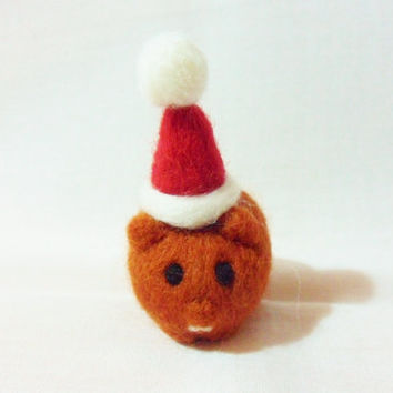 Needle Felted Christmas Guinea Pig - Christmas Ornament - 100% merino wool - needle felted guinea pig - wool felt cavy