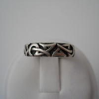 Sterling Silver 925 Etched Tribal Designs Ring Size 7.5 Flower Mark Sterling