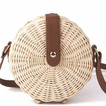 Circle Lady Straw Bag