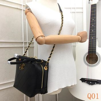HCXX 19Aug 080 8186A Fashion Casual Lrage-Capacity Quilted Bag Chain Shoulder Handbag 20-17-11cm Black