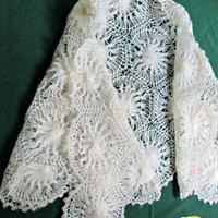 Pinwheel Pattern Glentex Shawl Acrylic Crocheted Soft White Mid Century Prom Wedding Party