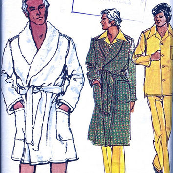 Vogue Patterns for Men 8359 - Men's Robe and Pajamas / Pyjamas - Vintage Sewing Pattern - Medium