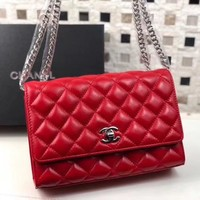 CHANEL WOMEN'S NEW STYLE LEATHER INCLINED CHAIN SHOULDER BAG