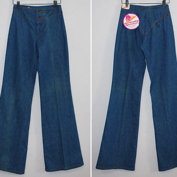 Vintage 70s BELL BOTTOM JEANS / Hip Hugger, Mid Rise Denim / Medium Blue Distressed, Prewashed Look / Flare, Sailor Pant / Landlubber Xxs Xs