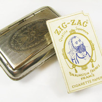Vintage Cigarette Case with Braunstein Freres French Cigarette Papers, Made in Germany - Le Cas de Cigarettes.