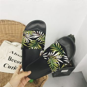 Green Leaves Printed Slipper Shoes