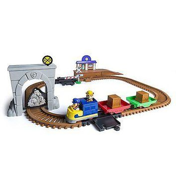 Spinmaster Paw Patrol Adventure Bay Railway Track Set with Exclusive Vehicle