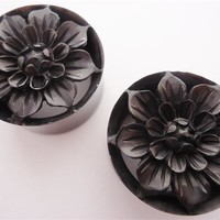 Dahlia Flower Plugs (0 gauge - 1 inch)