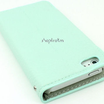 Mint leatherette wallet phone case for Apple iPhone 5 plain no studs with heavy silver metal wrist chain wristlet
