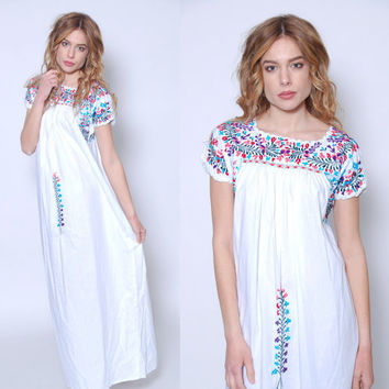 Vintage MEXICAN Dress White EMBROIDERED Hippie Dress Boho Festival Dress OAXACAN Dress Mexican Wedding Dress