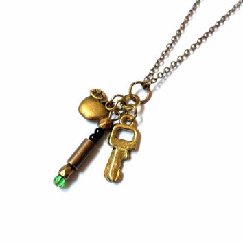 11th Doctor Must-Have necklace: companion Amy Pond, green sonic screwdriver and TARDIS key