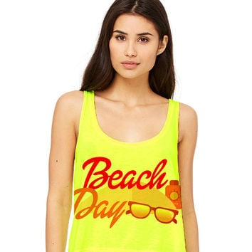 Neon Yellow Cropped Tank Top - Beach Day - Summer Outfit Spring Sand Sunglasses